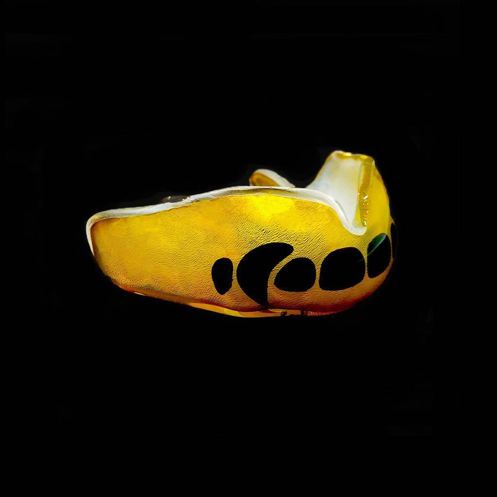 золотая спортивная капа с зубами